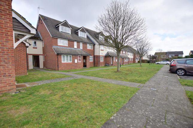 Thumbnail Maisonette to rent in Derwent Close, Little Chalfont