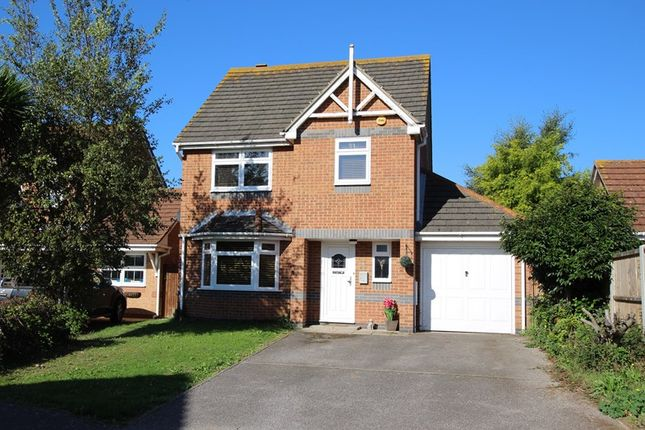 Thumbnail Detached house for sale in Alexandra Road, Great Wakering, Southend-On-Sea