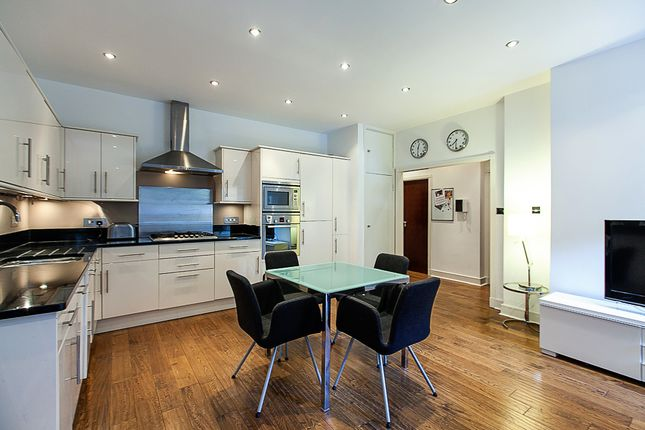 Thumbnail Flat to rent in Kensington Garden Square, Westbourne Grove