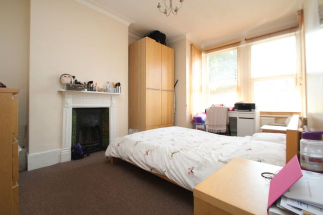 Room to rent in Lancaster Road, Bounds Green