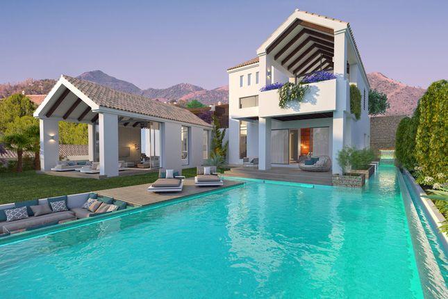 Villa for sale in La Resina Golf, Costa Del Sol, Spain