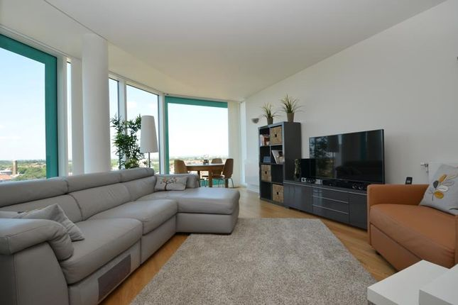 Thumbnail Flat to rent in Cardinal Building, Station Approach, Hayes, Middlesex