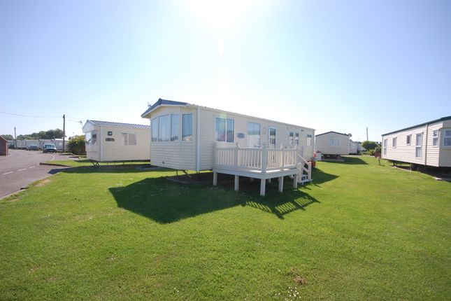 Thumbnail Mobile/park home for sale in Sherbourne Lane, Selsey