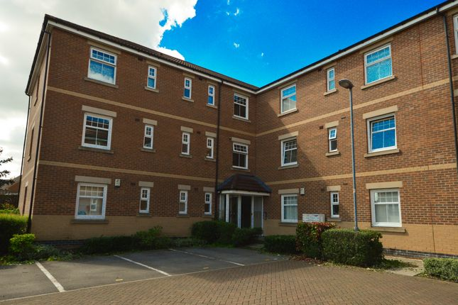 Thumbnail Flat to rent in Oxclose Park Gardens, Halfway
