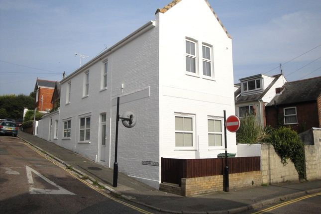 Thumbnail Flat to rent in St Marys Road, Cowes