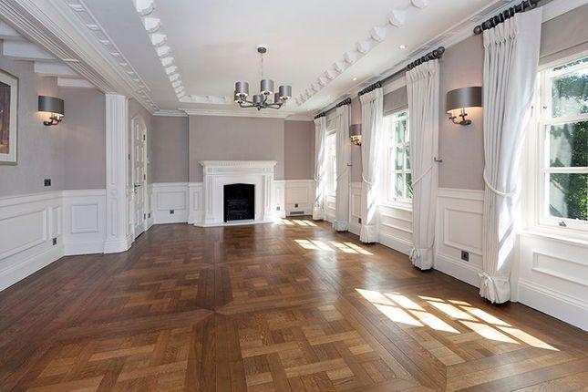 Dining Room of Courtenay Avenue, London N6