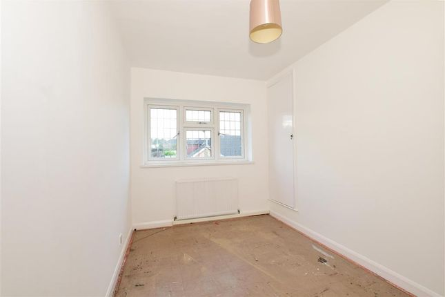 Thumbnail Maisonette for sale in Shevon Way, Brentwood, Essex