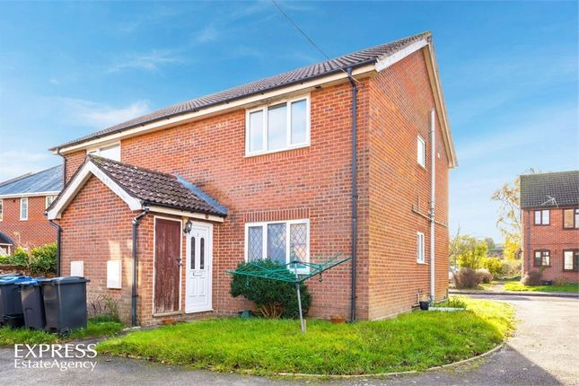 Thumbnail Flat for sale in Eleanor Court, Ludgershall, Andover, Hampshire