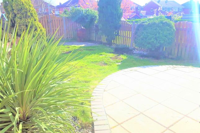 Thumbnail Town house to rent in Beech Lea, Thurnscoe