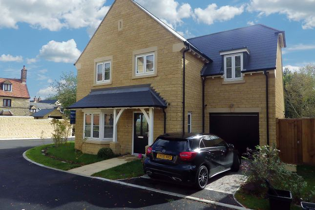 Thumbnail Detached house to rent in Woodbank, Witney, Oxfordshire