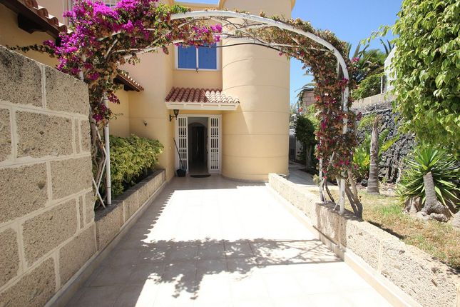 Thumbnail Villa for sale in Chayofa, Canary Islands, 38652, Spain