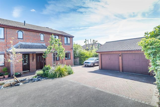 Thumbnail Semi-detached house for sale in Stephen Close, Twyford, Reading