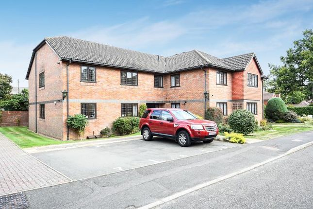 Thumbnail Flat to rent in Sturman House, Amersham
