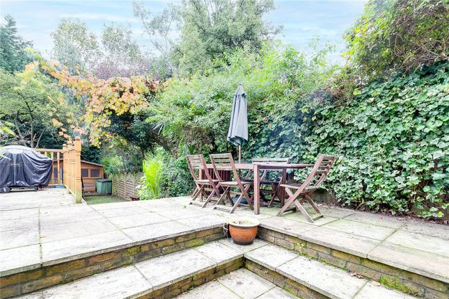3 bed flat for sale in Windmill Road, London SW18