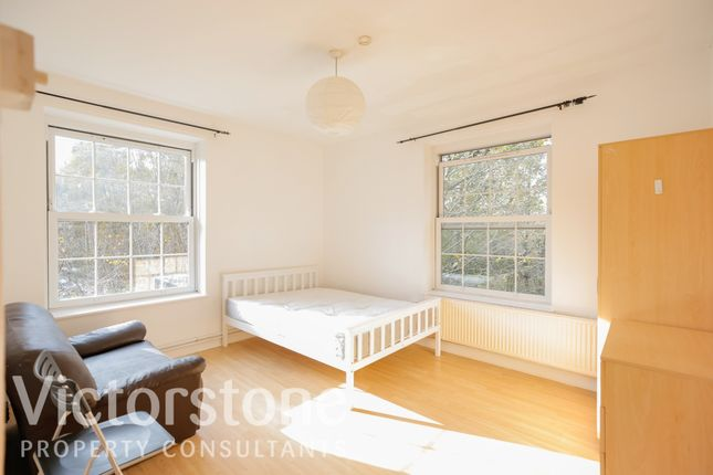 Flat for sale in Falmouth Road, Elephant And Castle