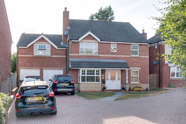 Thumbnail Detached house for sale in Longmoor Close, Brockhill, Redditch