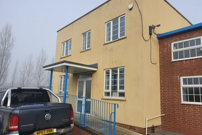 2 bed flat to rent in King Stag, Sturminster Newton DT10