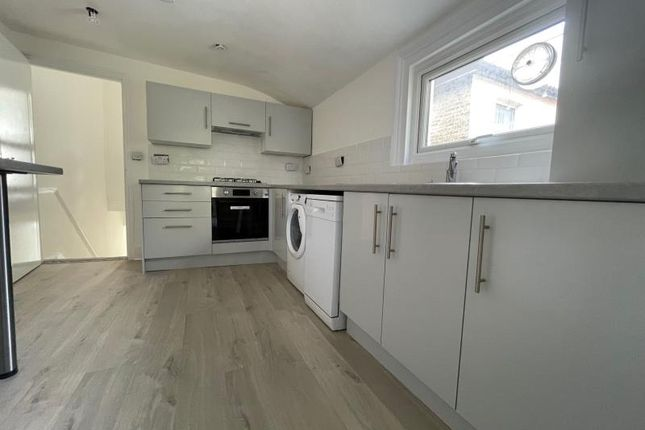 Thumbnail Flat to rent in Harewood Road, Colliers Wood, London
