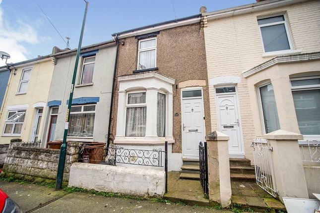 2 bed terraced house to rent in Glencoe Road, Chatham ME4