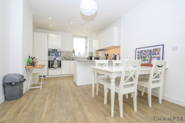 3 bed flat to rent in Loop Court, 1 Telegraph Avenue, Greenwich SE10