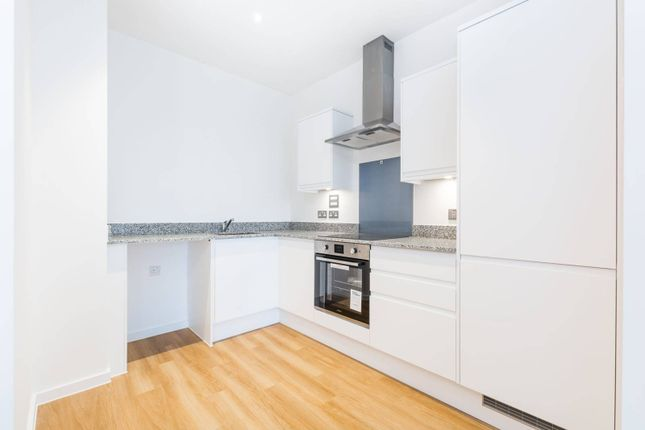 Thumbnail Flat to rent in Ilford Hill, Ilford IG12Dg