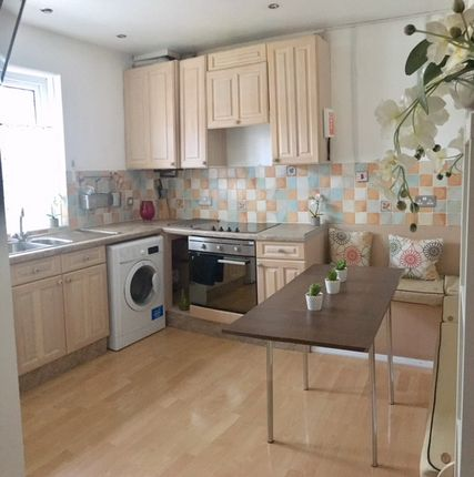 Maisonette to rent in King Street, Southsea