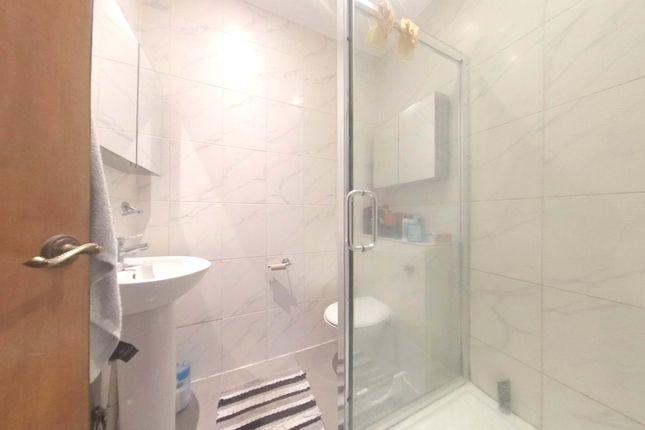 Bathroom of Trinity Road, Wandsworth Common SW17