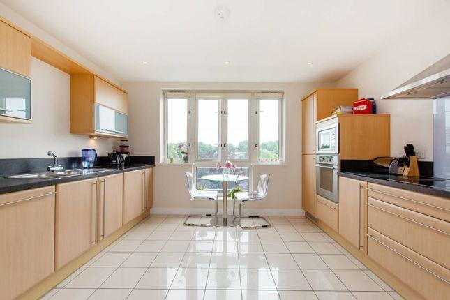 Thumbnail Flat for sale in Park Lane, Central Croydon