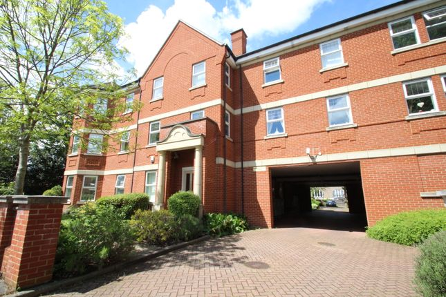 Thumbnail Flat to rent in Oaklands Road, Bromley
