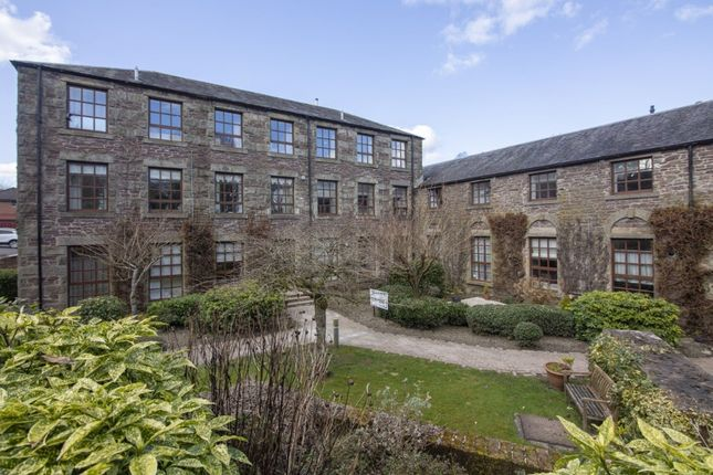 2 bed flat to rent in Mill Court, Dunblane, Stirling FK15