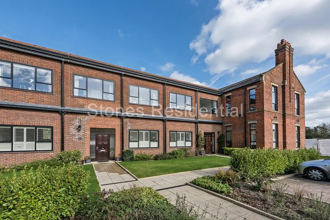 Thumbnail Flat for sale in Marlborough Drive, Bushey