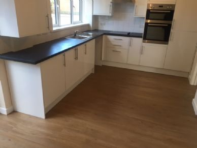 3 bed terraced house to rent in Withywood, Bristol