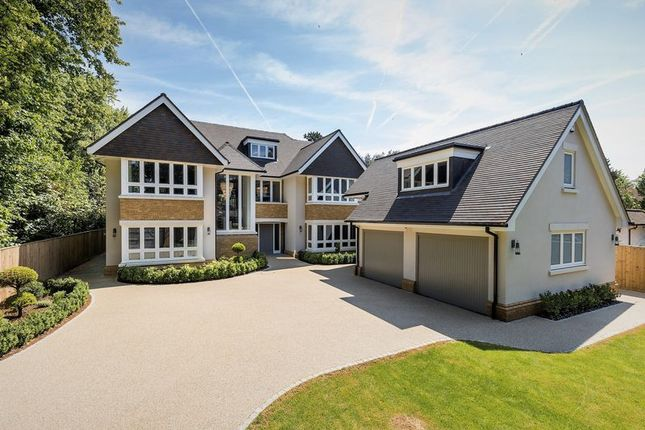 Thumbnail Detached house for sale in Penn Road, Beaconsfield