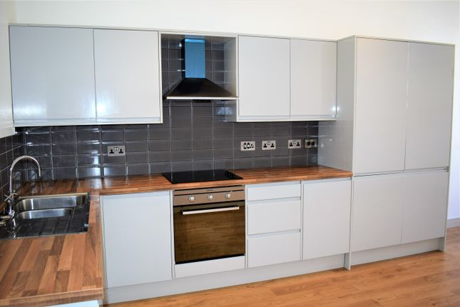 Flat to rent in Manor Lane, Sheffield