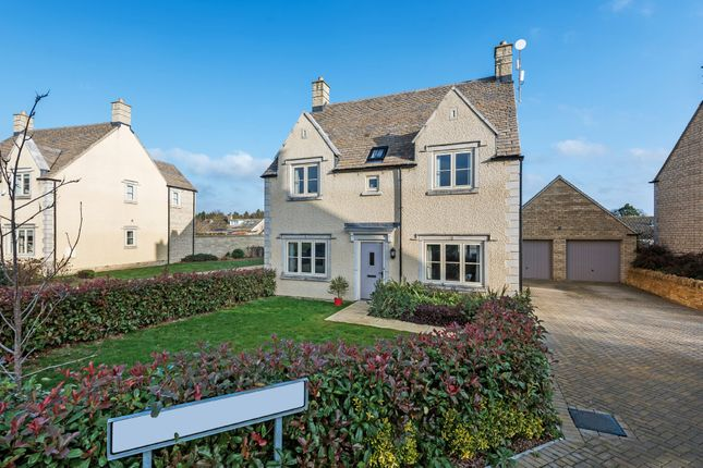 Thumbnail Detached house for sale in Tomlinson Close, Fairford