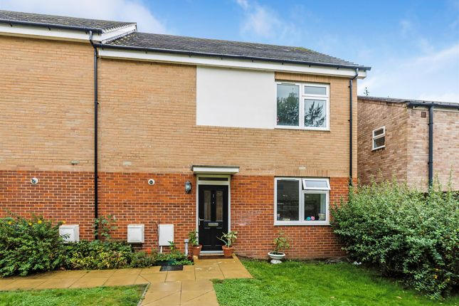 Thumbnail Flat for sale in Edenside Road, Great Bookham, Leatherhead