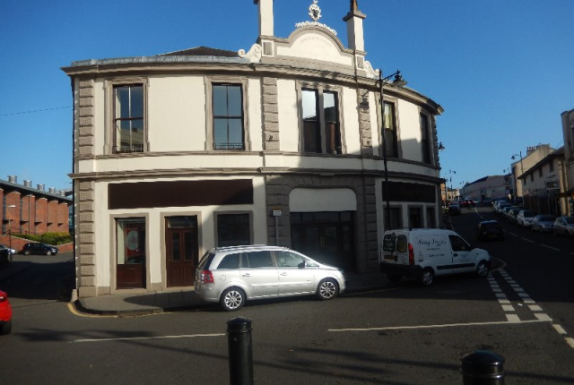 Thumbnail Flat to rent in Hallcraig Street, Airdrie, North Lanarkshire, 6Ah