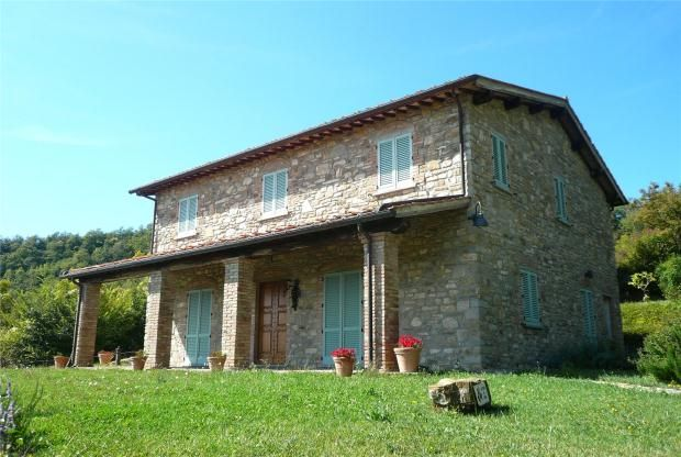 3 bed farmhouse for sale in Casa Al Vento, Capolana, Tuscany, Italy