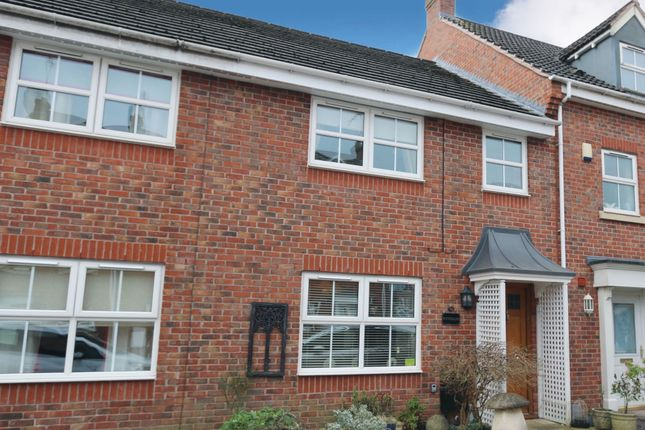 3 bed terraced house for sale in Station Road, Alcester B49
