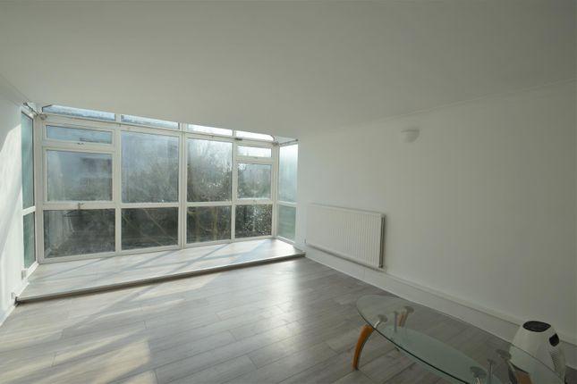 Thumbnail Flat to rent in Master Gunner Place, London