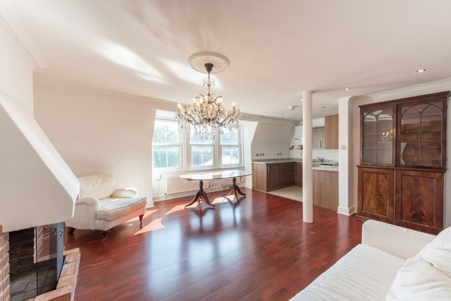 3 bed flat for sale in Belsize Avenue, London NW3
