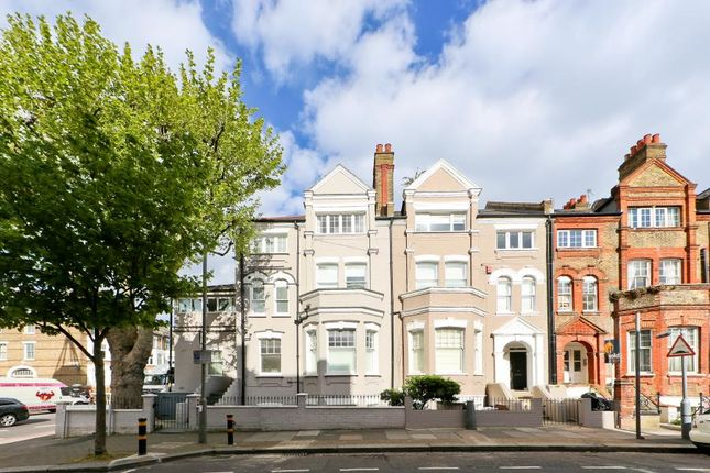 Thumbnail Flat for sale in Leathwaite Road, Between The Commons