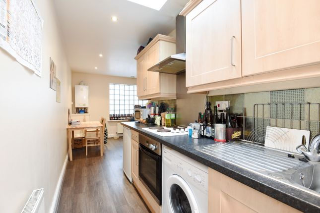 Thumbnail Flat to rent in Junction Road, Holloway Archway, London
