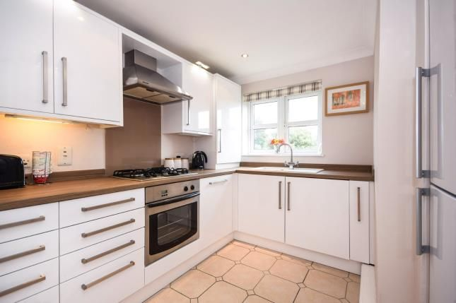 Refitted Kitchen of 201 The Broadway, Thorpe Bay, Essex SS1