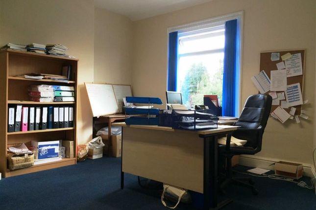 Thumbnail Property to rent in Ravenoak Road, Cheadle Hulme Cheadle, Cheshire