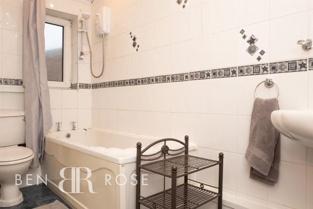 Family Bathroom of Cleveland Road, Leyland PR25