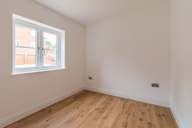 Bedroom of Hightown Place, Banbury OX16