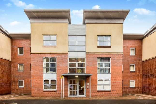 2 bed flat to rent in Queens Road, Chester CH1