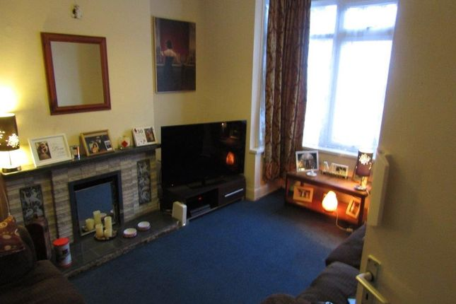 3 bed semi-detached house to rent in Lewellyn Road, Leamington Spa