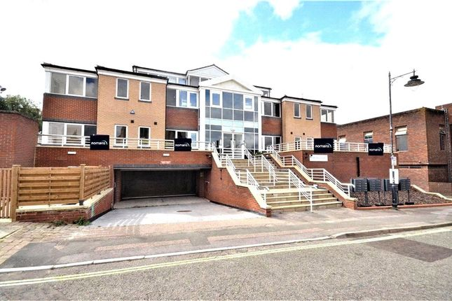 1 bed flat for sale in Victoria Street, Basingstoke, Hampshire RG21